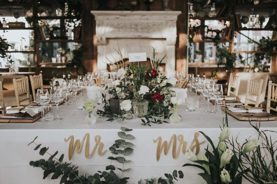 tavola matrimonio greenery e oro