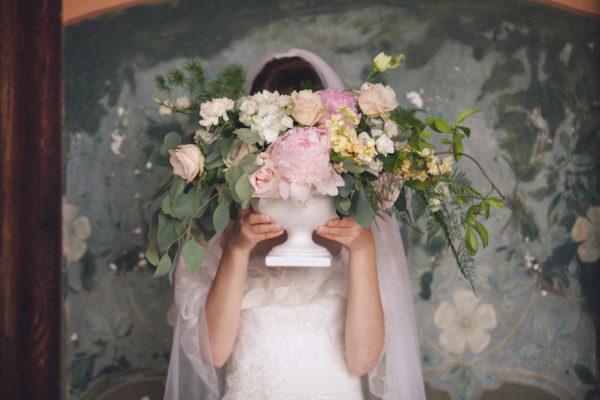 Peonie per un matrimonio in giardino