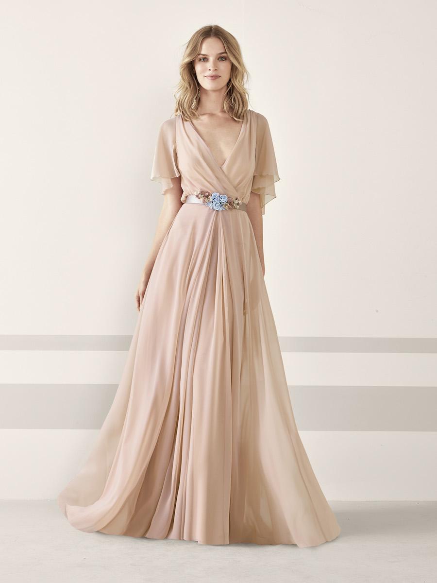 selezione premium aeafe 109cf Gli abiti da cerimonia Pronovias 2019, tra fiori e colori ...