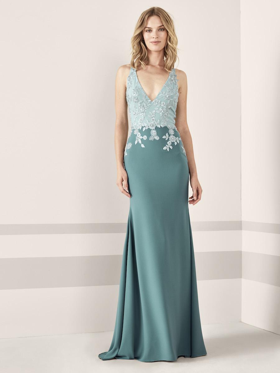 selezione premium 29671 eff09 Gli abiti da cerimonia Pronovias 2019, tra fiori e colori ...
