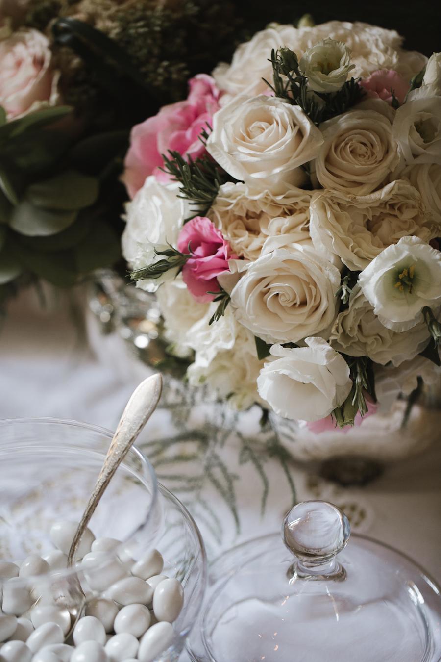 composizione floreale rosa e avorio