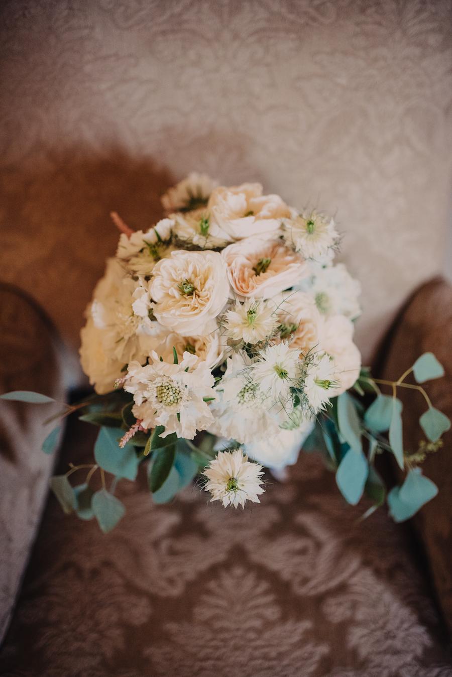 bouquet boho chic bianco e verde
