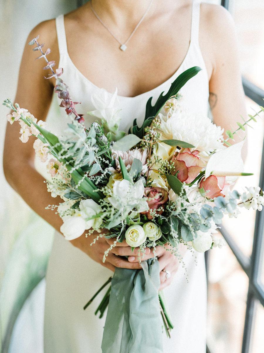 bouquet pesca, corallo e verde