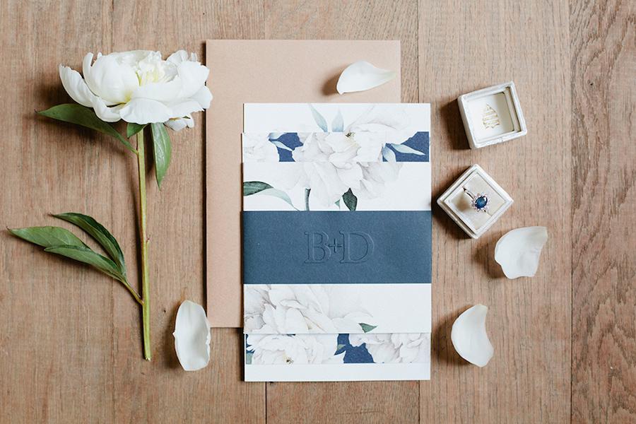 partecipazioni matrimonio blu e bianche