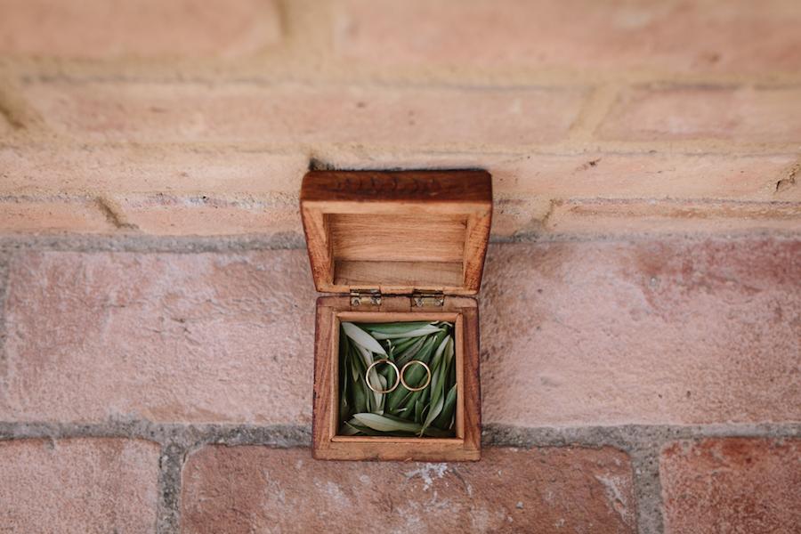 scatolina portafedi in legno