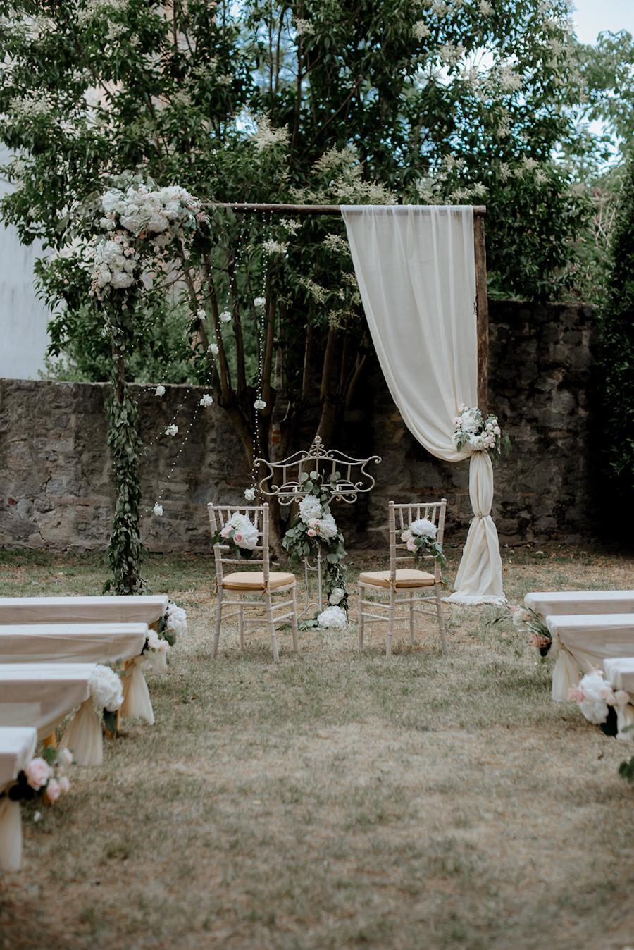 cerimonia bohemien all'aperto
