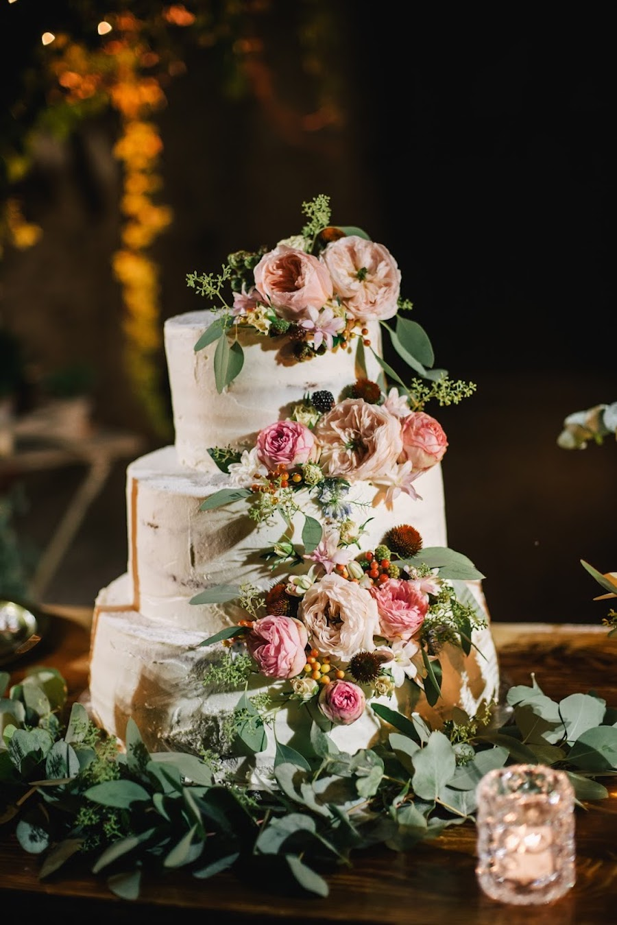 torta semi naked con fiori rosa