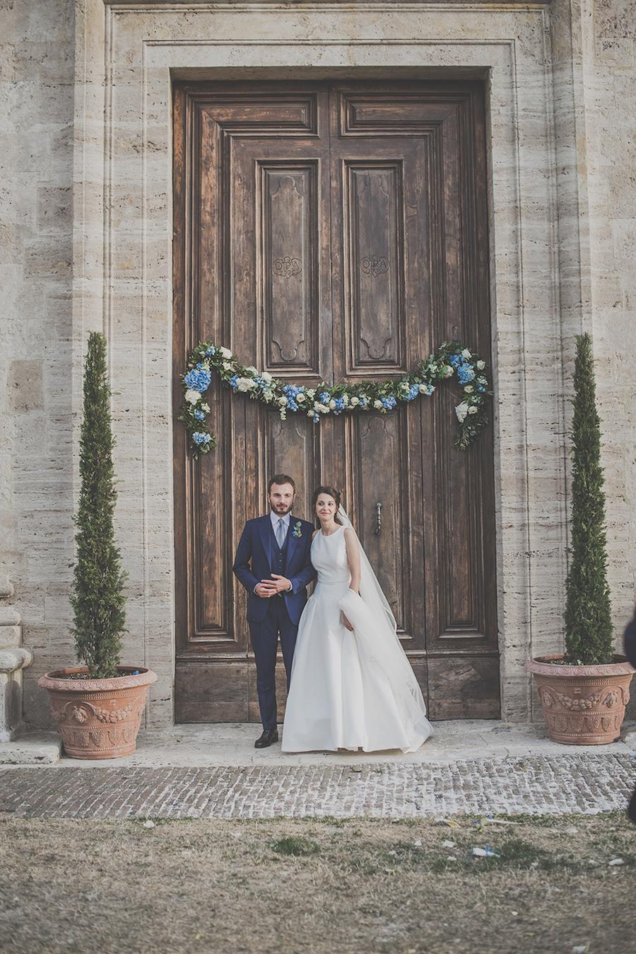Allestimento Matrimonio Azzurro : Un matrimonio azzurro pervinca in val d orcia wedding