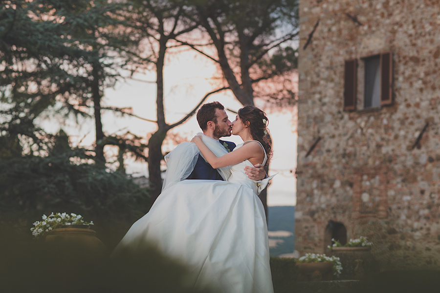 Matrimonio Azzurro Quotes : Un matrimonio azzurro pervinca in val d orcia wedding