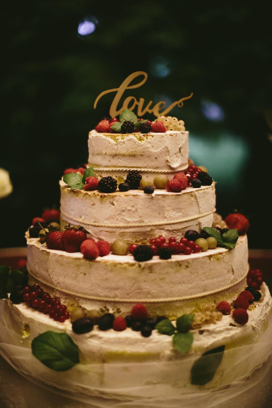 semi naked cake con frutti di bosco