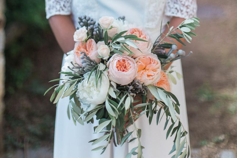 bouquet con rose inglesi pesca