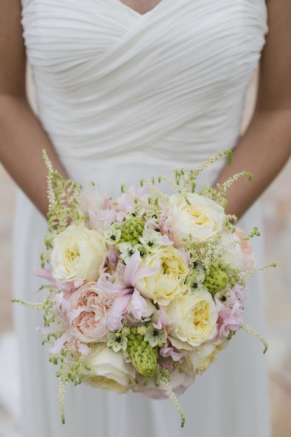 bouquet rosa, giallo e verde