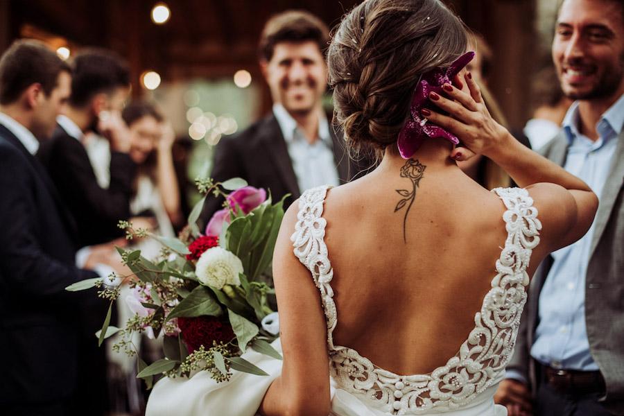 abito da sposa con schiena scoperta