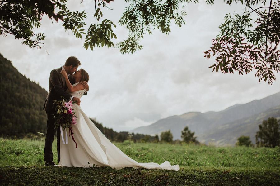 matrimonio in montagna con ispirazione tropicale