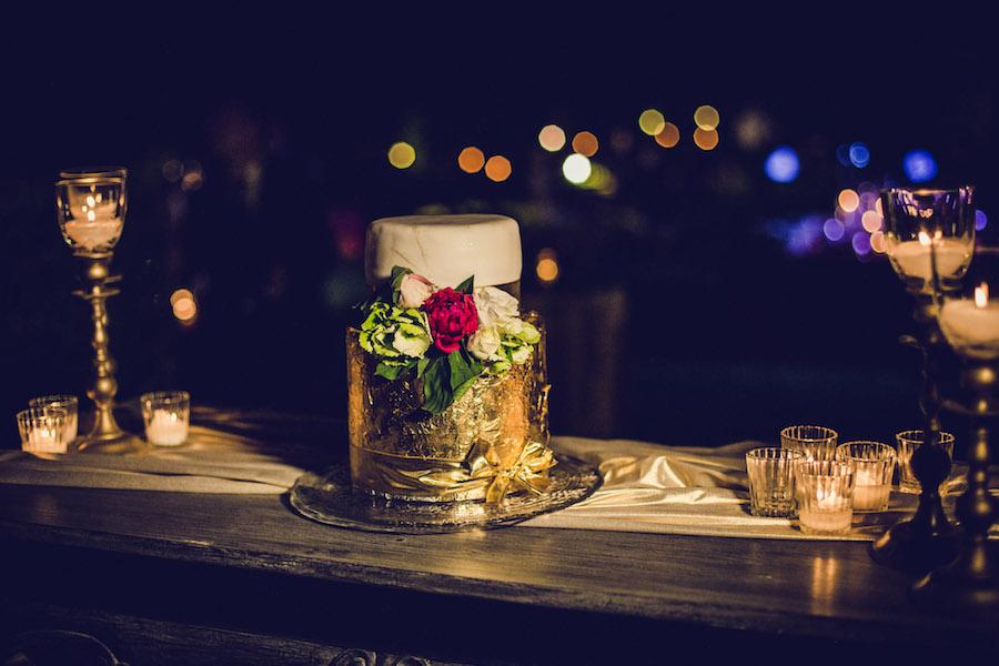 wedding cake oro e bordeaux