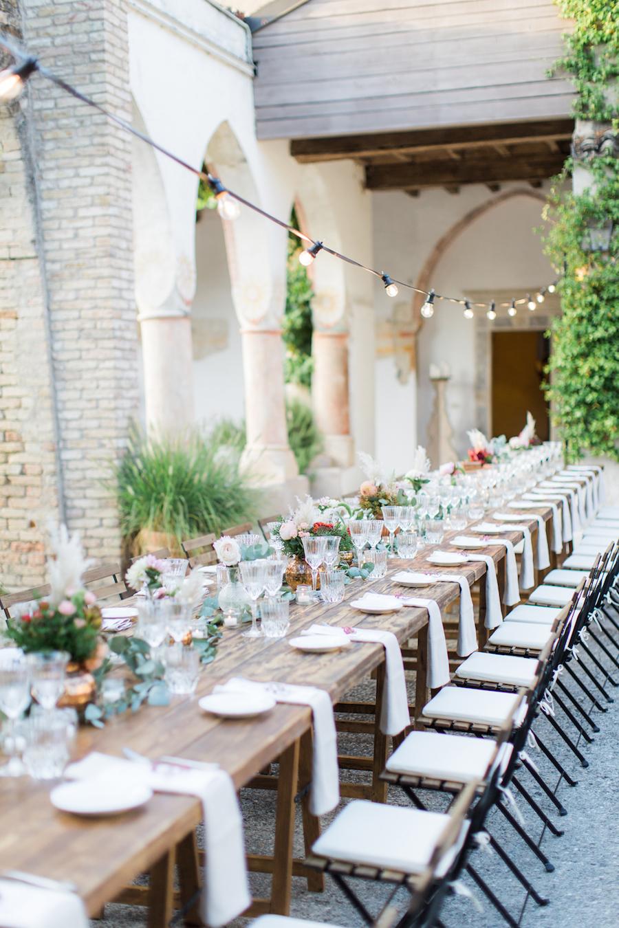tavolo imperiale matrimonio all'aperto