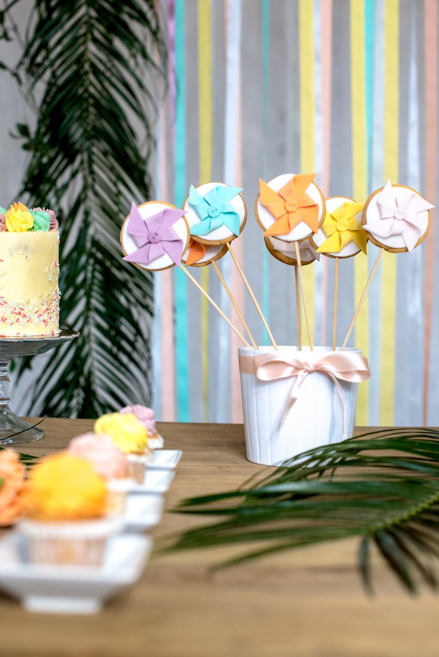 sweet table geometrico dai colori pastello