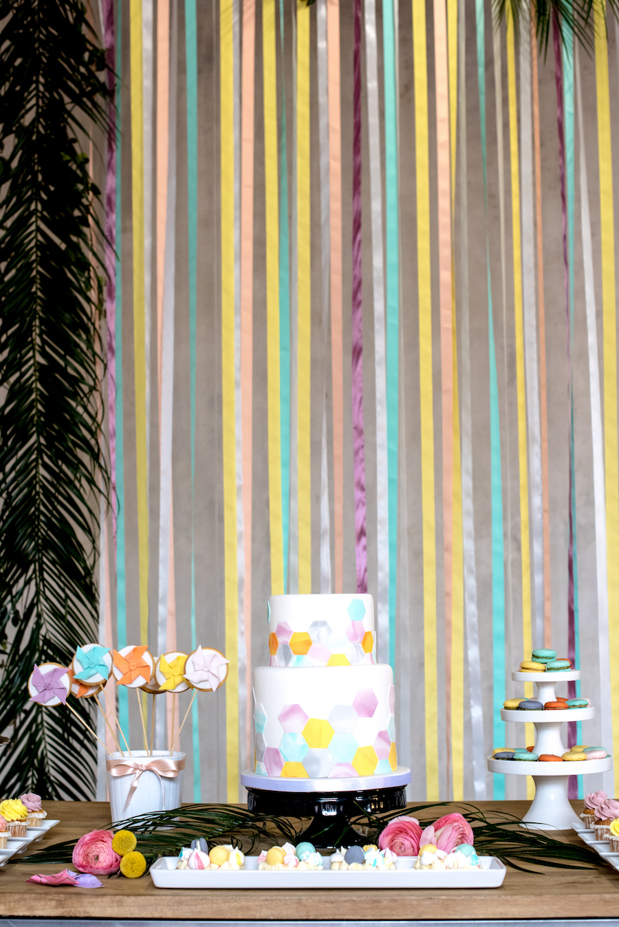 sweet table geometrico dai colori pastello