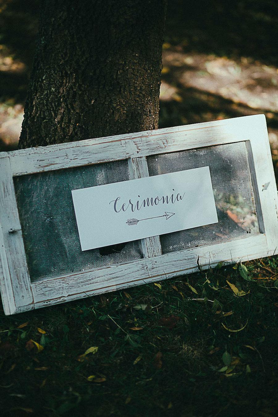 cartello cerimonia nel bosco
