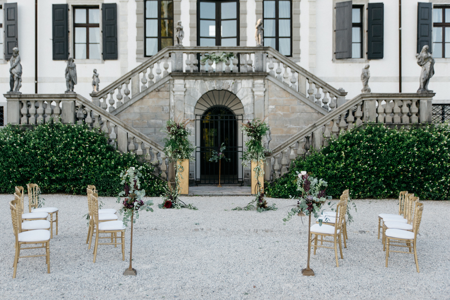allestimento cerimonia in villa