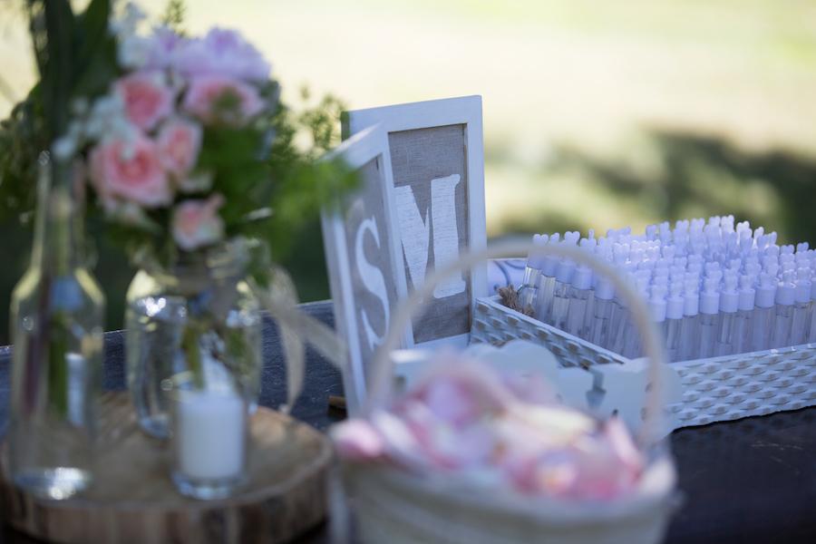 allestimento cerimonia rustica in rosa