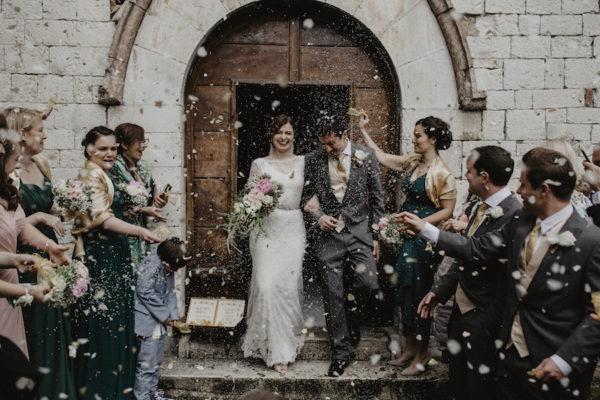 Oro e palme per un matrimonio ispirato agli anni '20