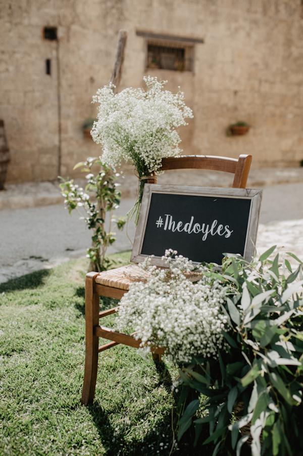 cartello con hashtag matrimonio