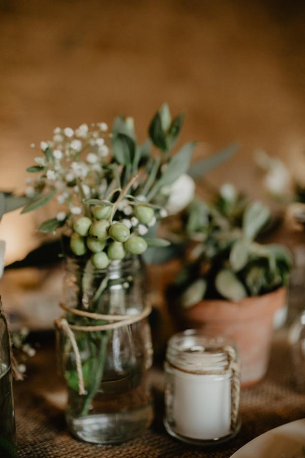 decorazioni con foglie di ulivo e gypsophila