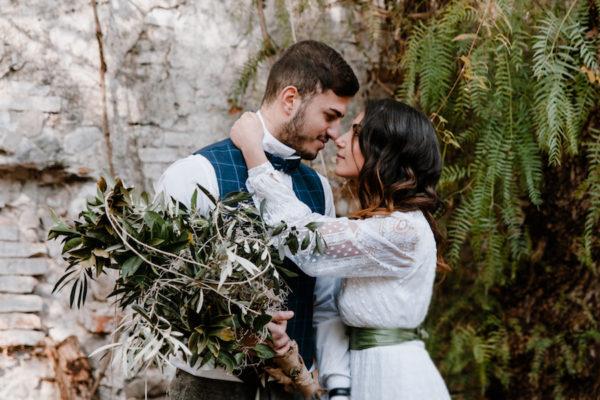 Ispirazione naturale in Calabria con un abito da sposa vintage