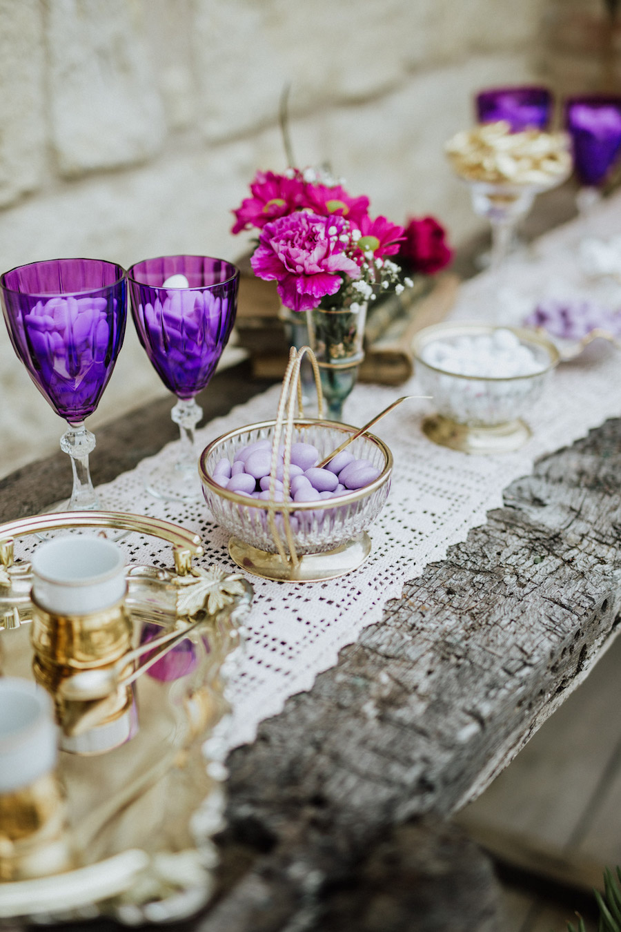 sweet table ultra violet