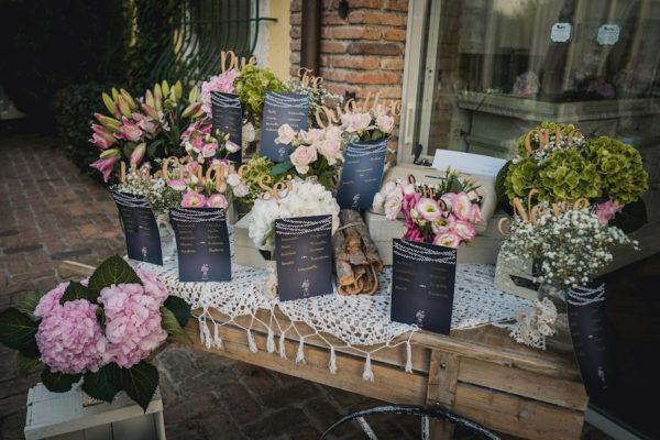 tableau de mariage con fiori rosa