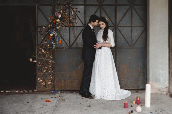Colori pop per un matrimonio industriale