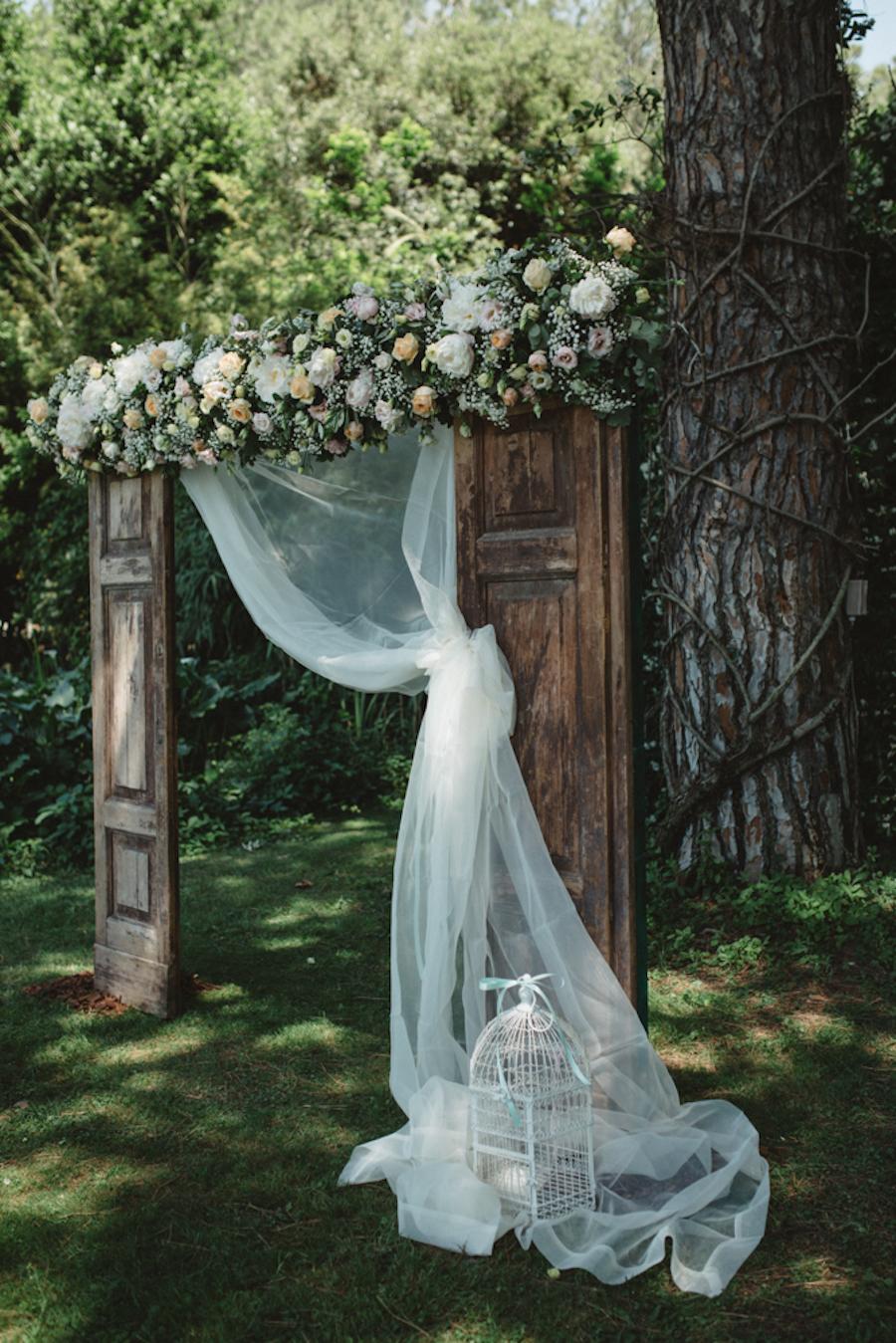 arco nuziale con porta vintage