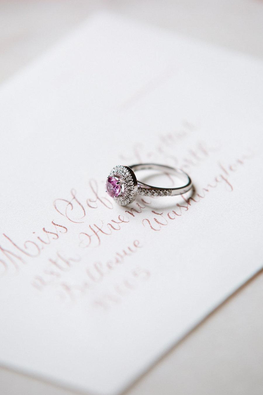 anello di fidanzamento rosa