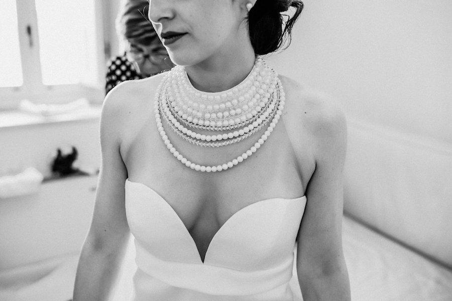 abito da sposa con scollo a cuore