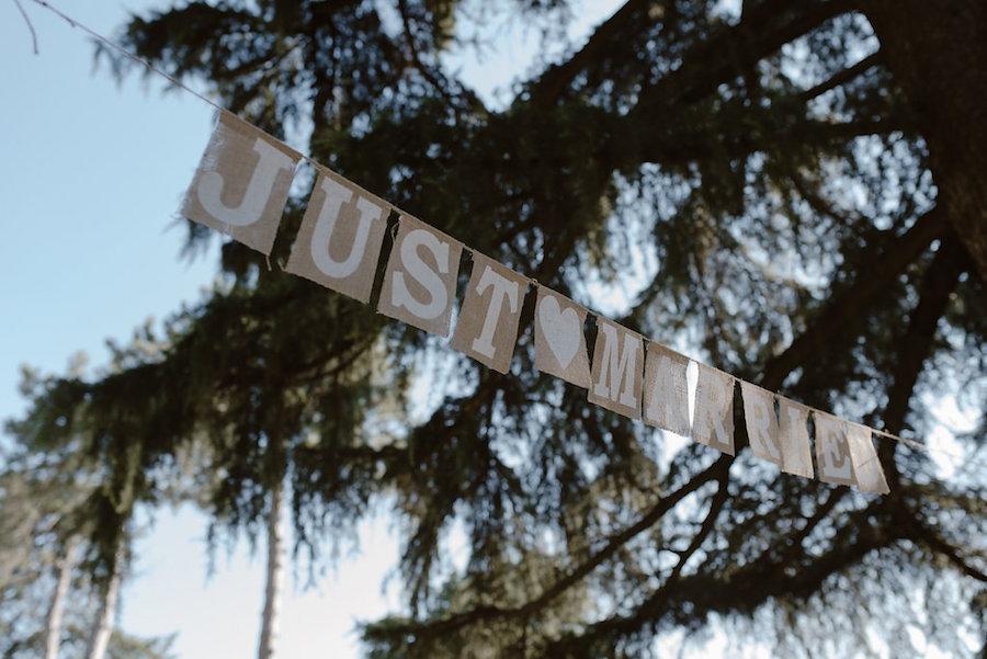 banner just married in iuta