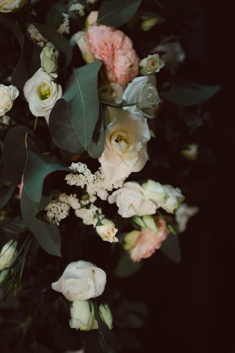 rose, lisianthus e foliage