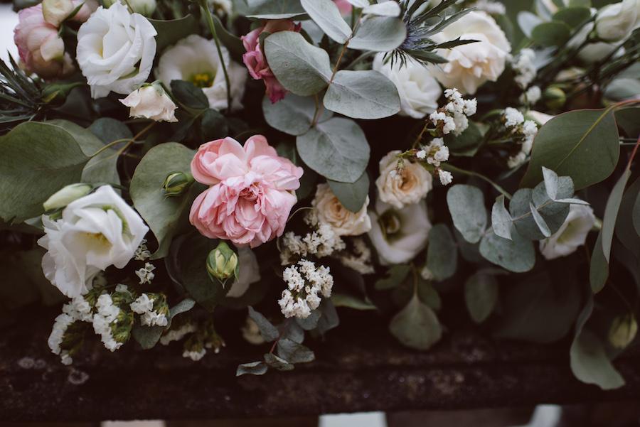rose, lisianthus ed eucalipto