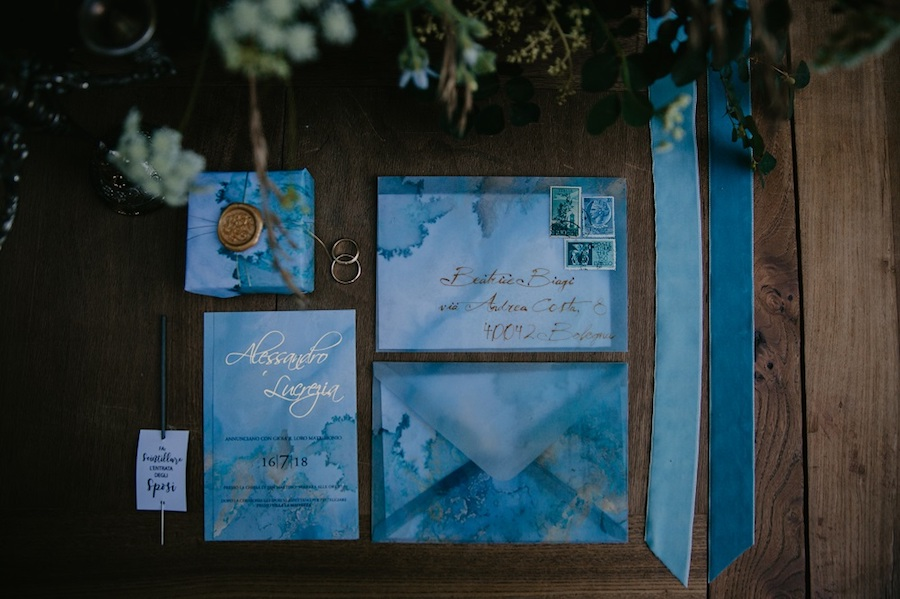partecipazioni azzurre e oro acquerello