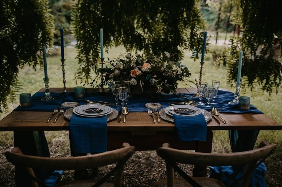 tavola matrimonio vintage blu e oro