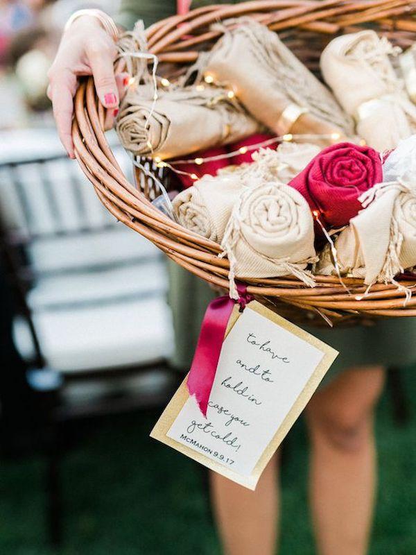 sciarpe | bomboniere per un matrimonio autunnale