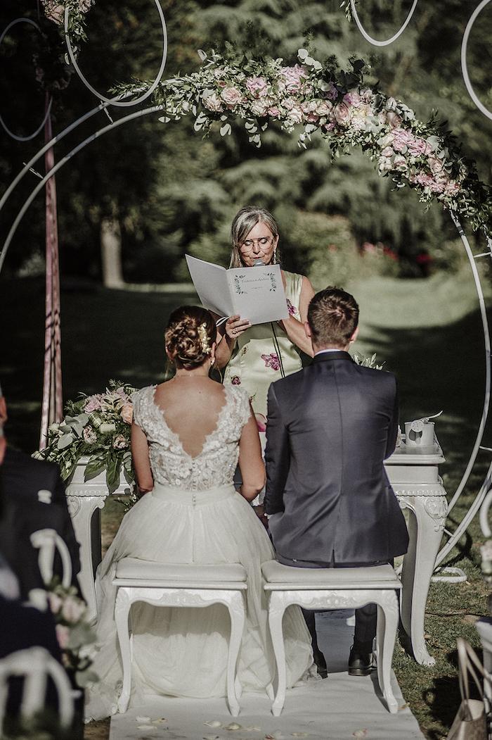 Questa immagine ha l'attributo alt vuoto; il nome del file è matrimonio-romantico-a-tre-8.jpg