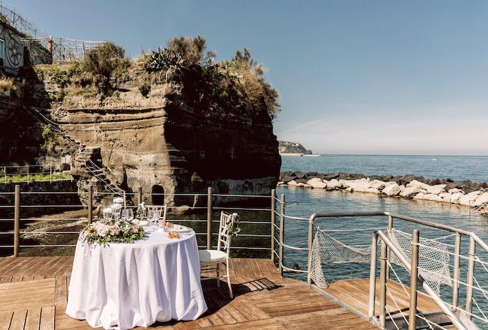 Questa immagine ha l'attributo alt vuoto; il nome del file è matrimonio-sul-mare-a-ischia-4.jpg