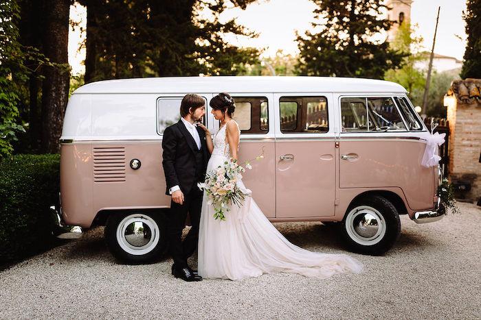 Questa immagine ha l'attributo alt vuoto; il nome del file è matrimonio-romantico-in-rosa-23.jpg