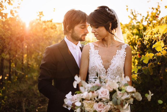 Questa immagine ha l'attributo alt vuoto; il nome del file è matrimonio-romantico-in-rosa-24.jpg