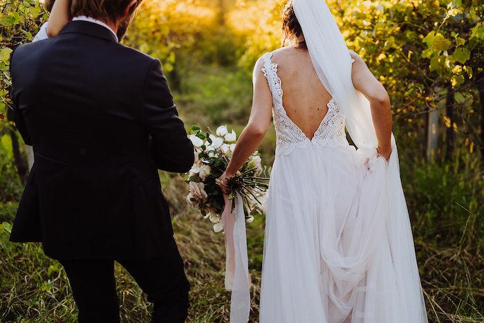 Questa immagine ha l'attributo alt vuoto; il nome del file è matrimonio-romantico-in-rosa-25.jpg