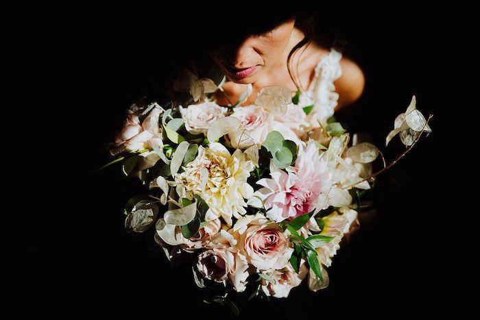 Questa immagine ha l'attributo alt vuoto; il nome del file è matrimonio-romantico-in-rosa-38.jpg