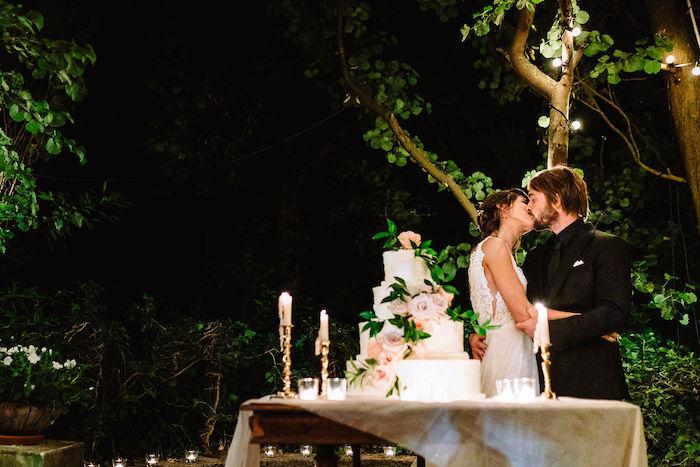Questa immagine ha l'attributo alt vuoto; il nome del file è matrimonio-romantico-in-rosa-9.jpg