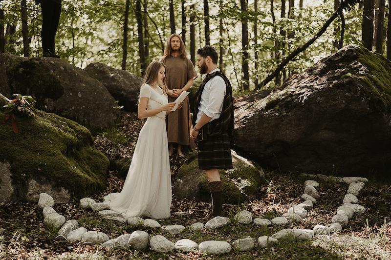 Questa immagine ha l'attributo alt vuoto; il nome del file è matrimonio-celtico-18.jpg