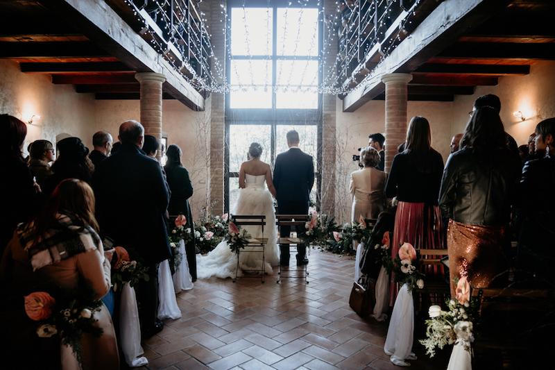 Questa immagine ha l'attributo alt vuoto; il nome del file è matrimonio-invernale-rustico-elegante-3.jpg